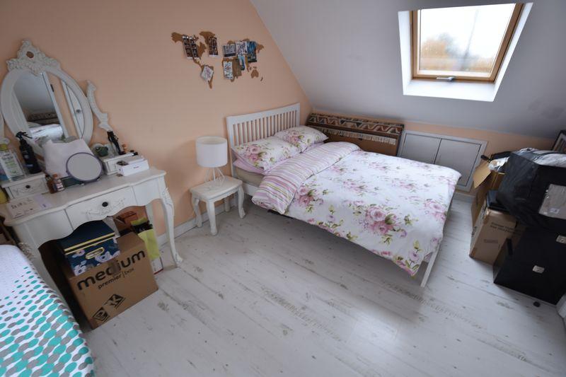 5 bedroom Mid Terrace to buy in Exton Avenue, Luton - Photo 13