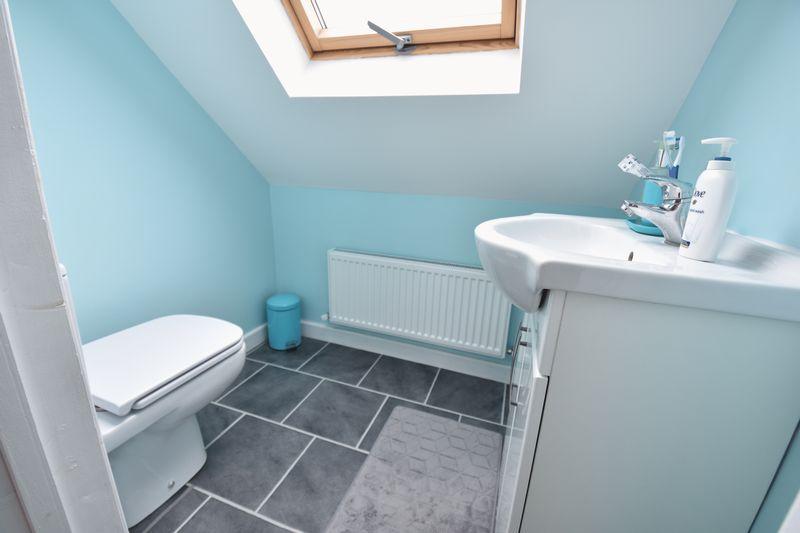 5 bedroom Mid Terrace to buy in Exton Avenue, Luton - Photo 14