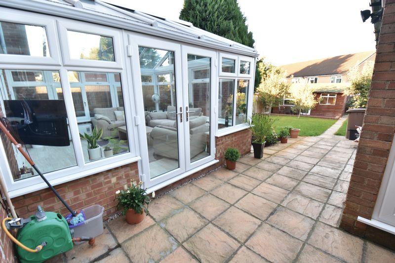 5 bedroom Mid Terrace to buy in Exton Avenue, Luton - Photo 17
