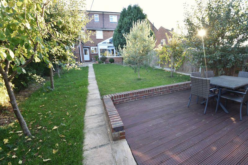 5 bedroom Mid Terrace to buy in Exton Avenue, Luton - Photo 20