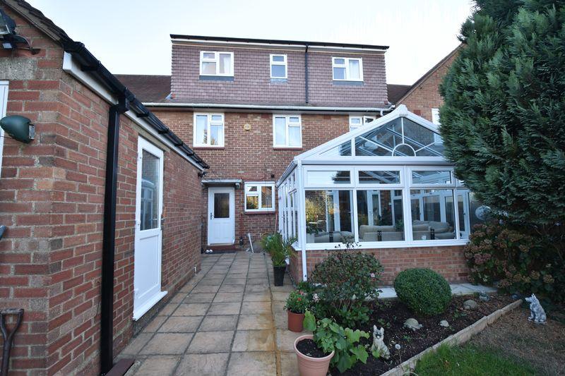 5 bedroom Mid Terrace to buy in Exton Avenue, Luton - Photo 21