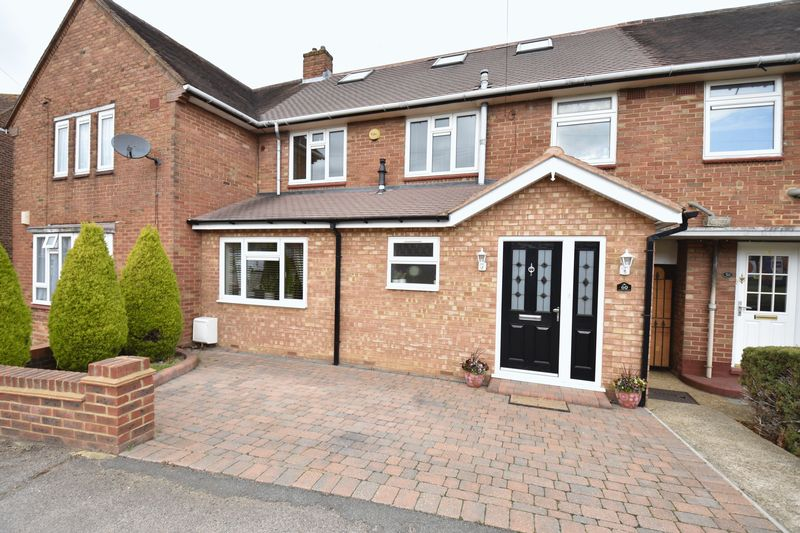 5 bedroom Mid Terrace to buy in Exton Avenue, Luton