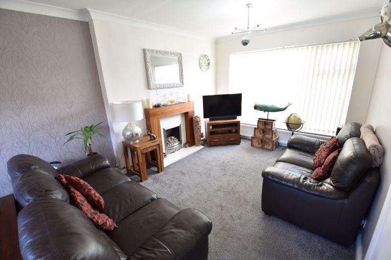 3 bedroom Semi-Detached  to buy in Stopsley Way, Luton - Photo 3
