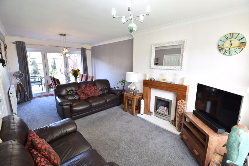 3 bedroom Semi-Detached  to buy in Stopsley Way, Luton - Photo 4