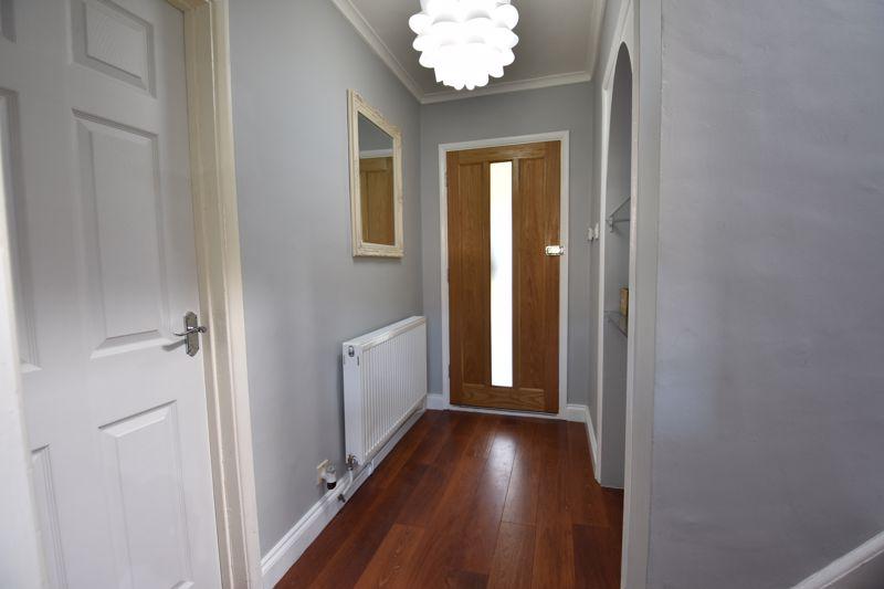 3 bedroom Semi-Detached  to buy in Stopsley Way, Luton - Photo 8