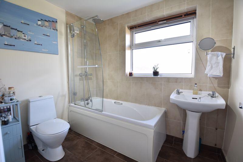 3 bedroom Semi-Detached  to buy in Stopsley Way, Luton - Photo 10