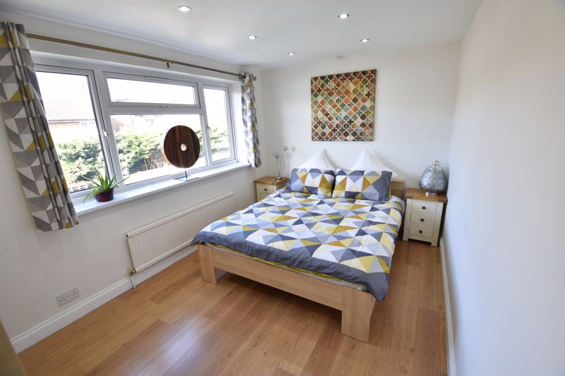 3 bedroom Semi-Detached  to buy in Stopsley Way, Luton - Photo 11