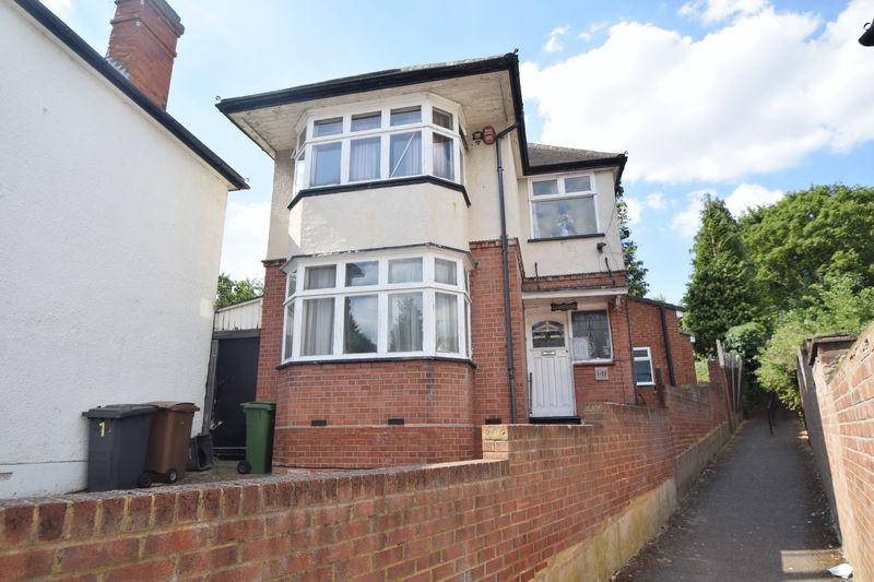 3 bedroom Detached  to buy in Cutenhoe Road, Luton