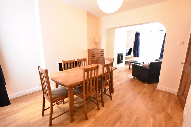 3 bedroom  to rent in Talbot Road, Luton - Photo 8