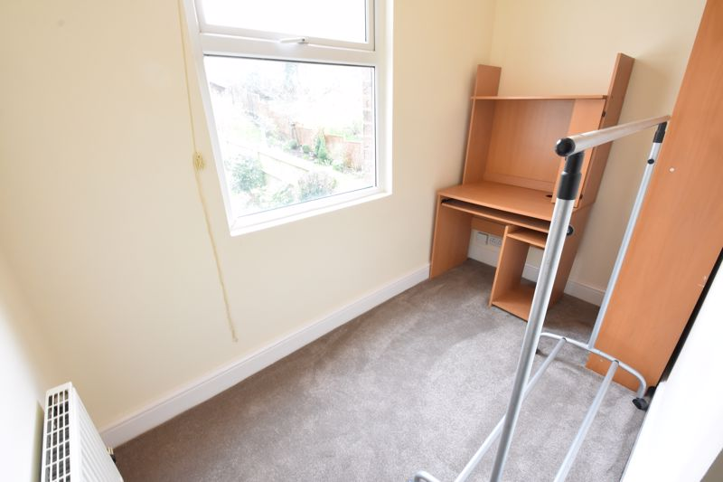 3 bedroom  to rent in Talbot Road, Luton - Photo 10
