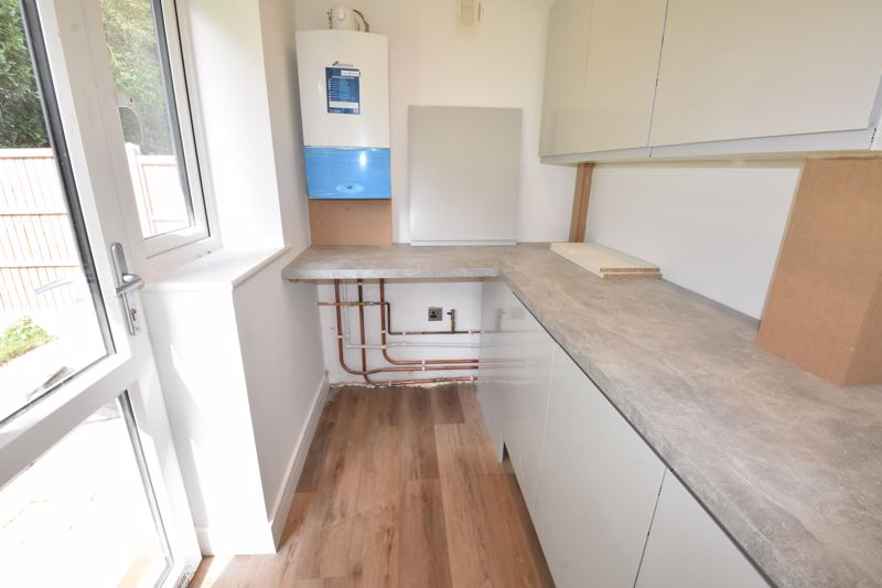4 bedroom  to rent in Old Orchard, Luton - Photo 6