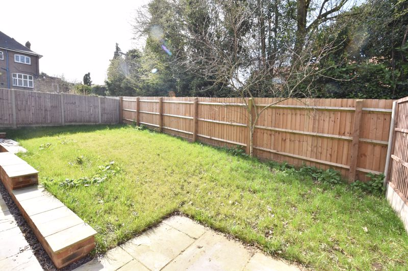 4 bedroom  to rent in Old Orchard, Luton - Photo 7