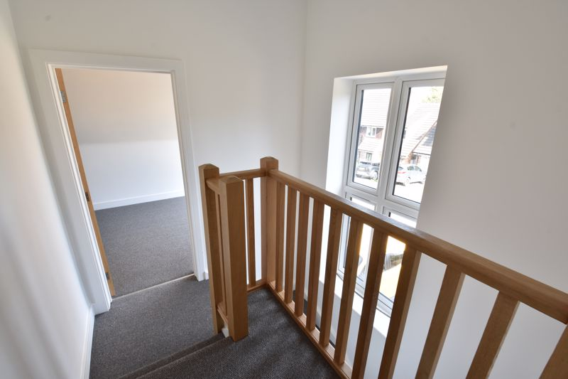 4 bedroom  to rent in Old Orchard, Luton - Photo 23