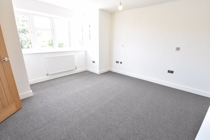 4 bedroom  to rent in Old Orchard, Luton - Photo 30