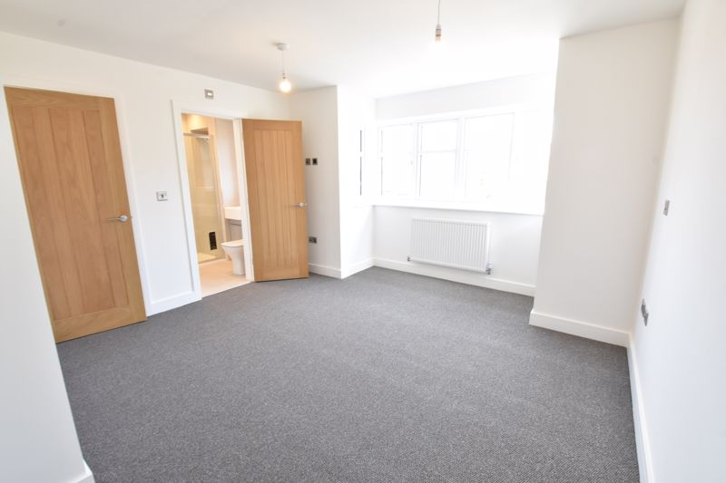 4 bedroom  to rent in Old Orchard, Luton - Photo 31