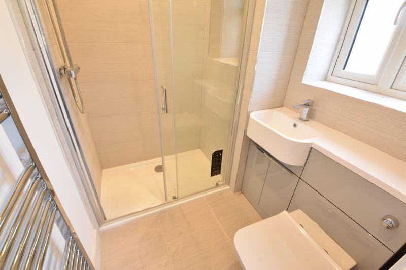 4 bedroom  to rent in Old Orchard, Luton - Photo 33