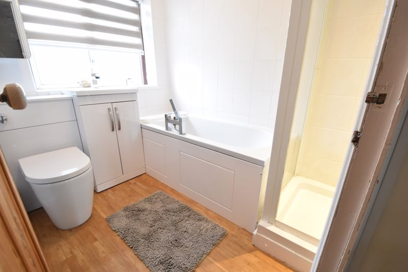 4 bedroom  to buy in Butterfield Green Road, Luton - Photo 31