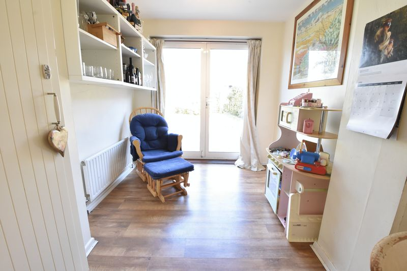4 bedroom  to buy in Butterfield Green Road, Luton - Photo 17