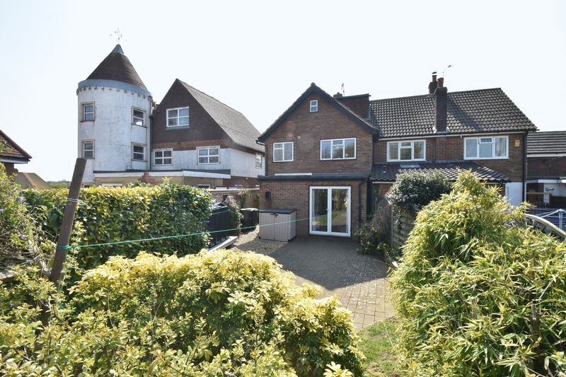 4 bedroom  to buy in Butterfield Green Road, Luton - Photo 39
