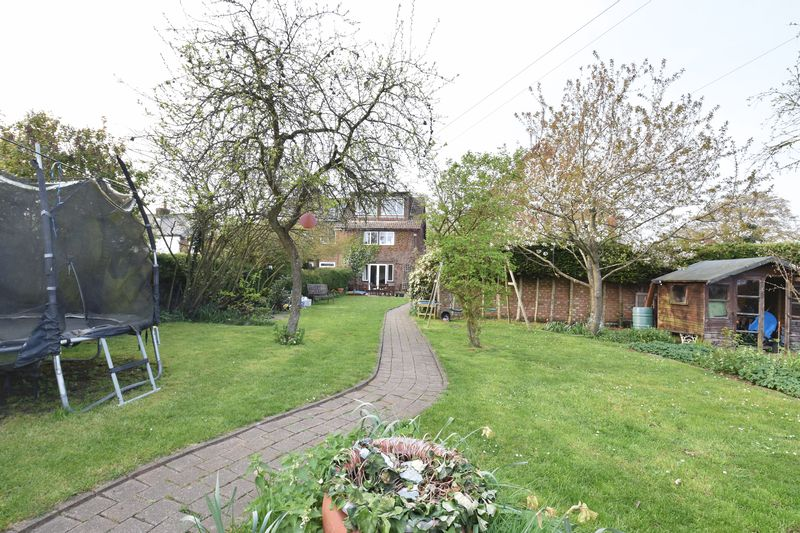 4 bedroom  to buy in Butterfield Green Road, Luton - Photo 47