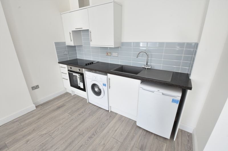 1 bedroom Apartment / Studio to buy in 11 Farley Hill, Luton - Photo 8