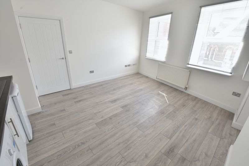 1 bedroom Apartment / Studio to buy in 11 Farley Hill, Luton - Photo 9