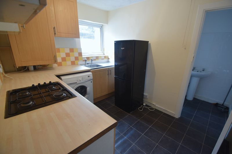 2 bedroom Apartment / Studio to rent in Hitchin Road, Luton - Photo 5