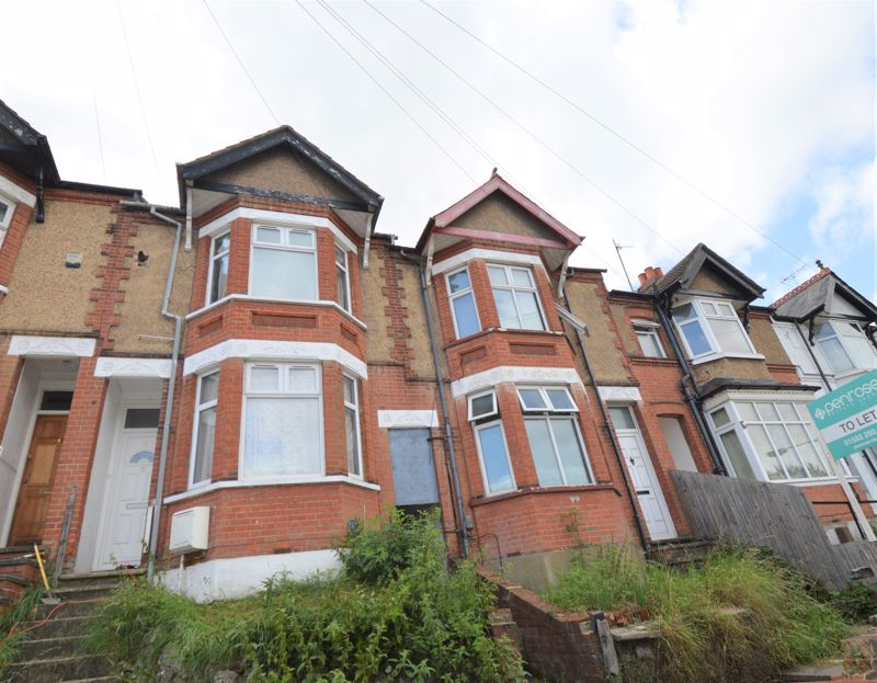 5 bedroom Mid Terrace to buy in Russell Rise, Luton