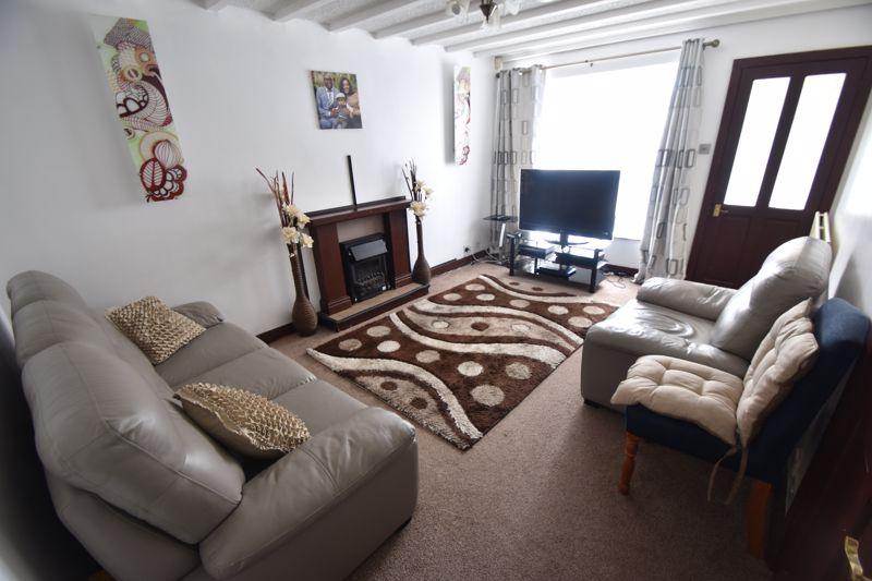 3 bedroom Semi-Detached  to rent in Corinium Gardens, Luton - Photo 11