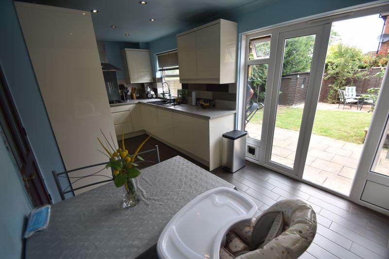 3 bedroom Semi-Detached  to rent in Corinium Gardens, Luton - Photo 16