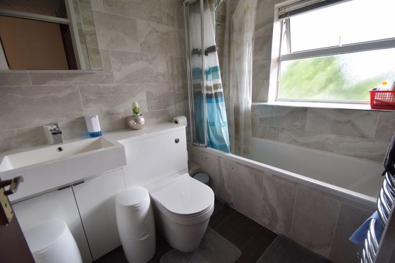 3 bedroom Semi-Detached  to rent in Corinium Gardens, Luton - Photo 18