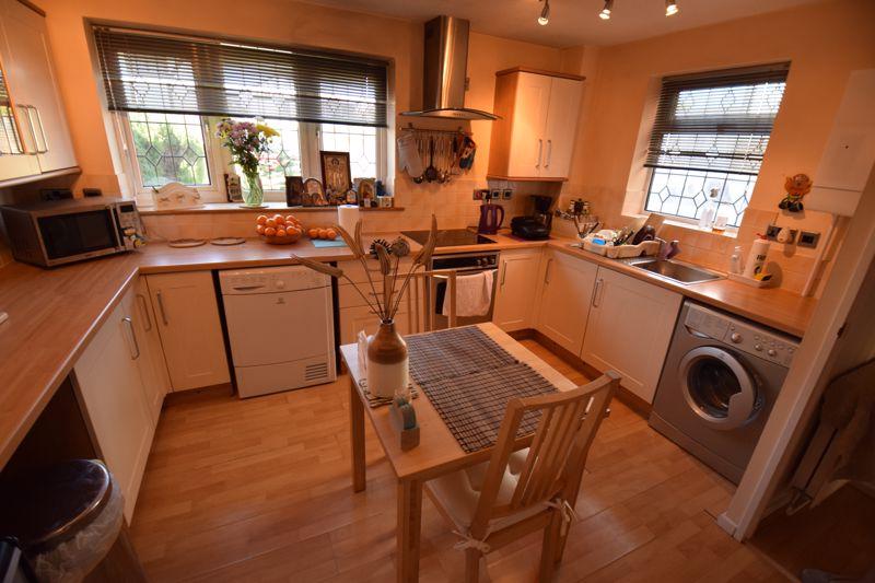2 bedroom Semi-Detached  to buy in Corbridge Drive, Luton - Photo 1