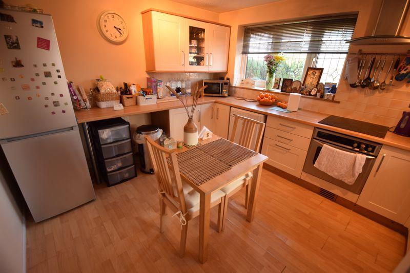 2 bedroom Semi-Detached  to buy in Corbridge Drive, Luton - Photo 2