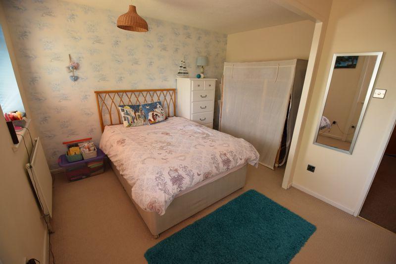 2 bedroom Semi-Detached  to buy in Corbridge Drive, Luton - Photo 5