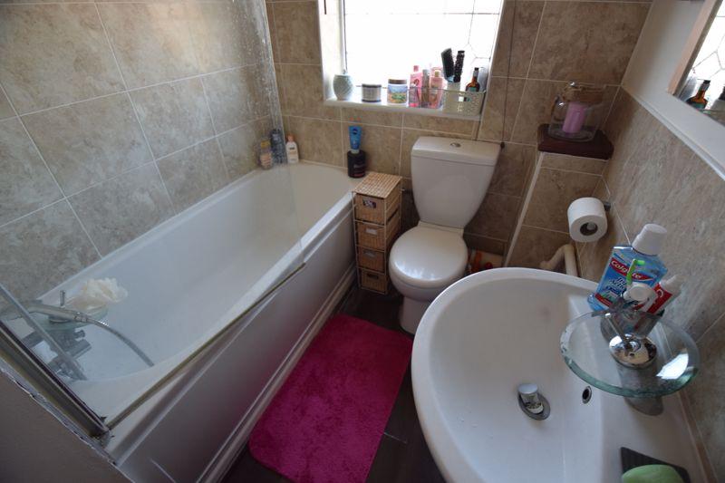 2 bedroom Semi-Detached  to buy in Corbridge Drive, Luton - Photo 8