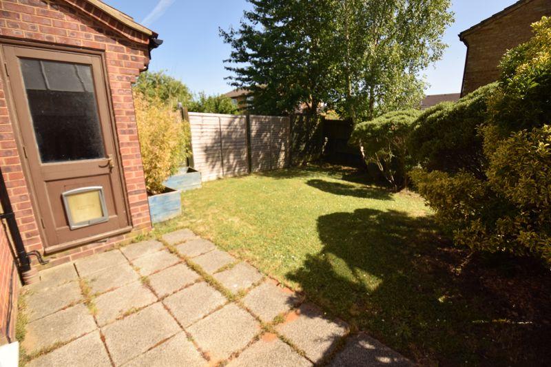 2 bedroom Semi-Detached  to buy in Corbridge Drive, Luton - Photo 9