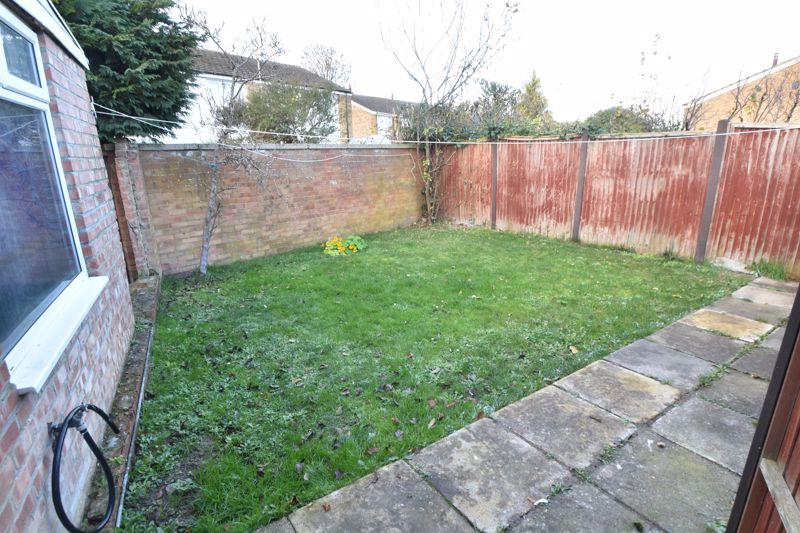 3 bedroom End Terrace to buy in Berry Leys, Luton - Photo 2