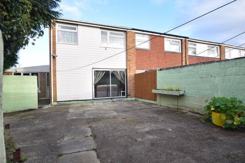 3 bedroom End Terrace to buy in Berry Leys, Luton - Photo 7