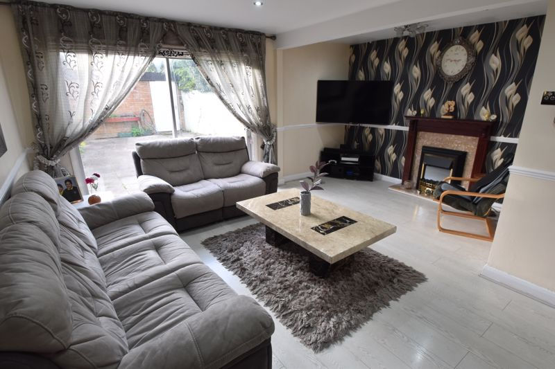 3 bedroom End Terrace to buy in Berry Leys, Luton - Photo 13