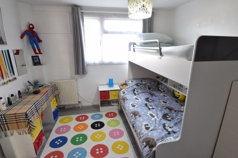 3 bedroom End Terrace to buy in Berry Leys, Luton - Photo 18