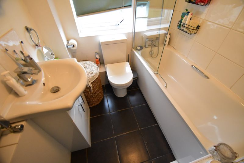 2 bedroom End Terrace to buy in Anthony Gardens, Luton - Photo 6
