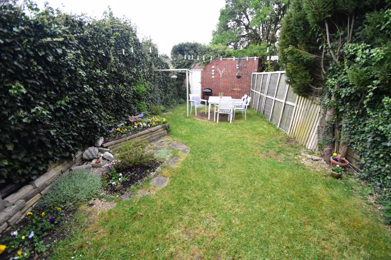 2 bedroom End Terrace to buy in Anthony Gardens, Luton - Photo 8