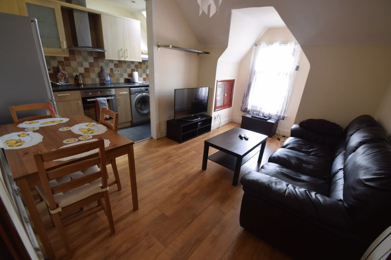 2 bedroom Flat to buy in Napier Road, Luton