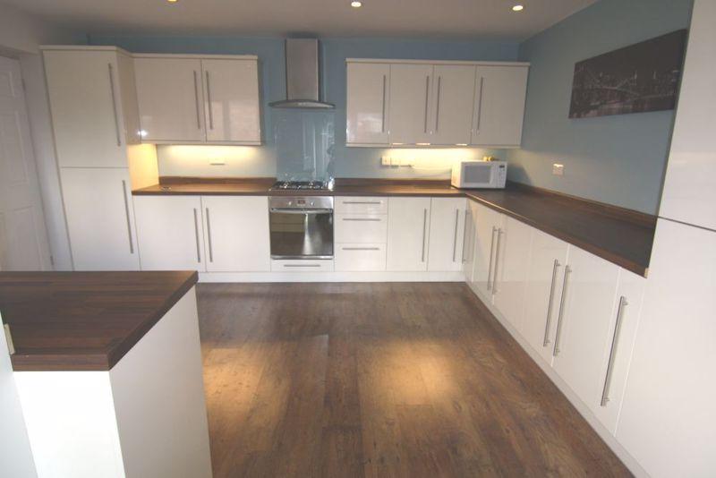 1 bedroom Apartment / Studio to rent in Mossbank Avenue, Luton - Photo 5