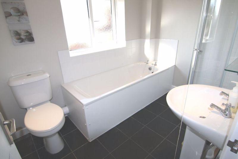 1 bedroom Apartment / Studio to rent in Mossbank Avenue, Luton - Photo 7