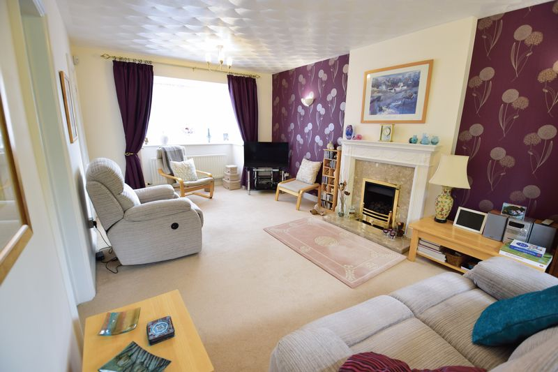 4 bedroom Detached  to buy in Lippitts Hill, Luton - Photo 5