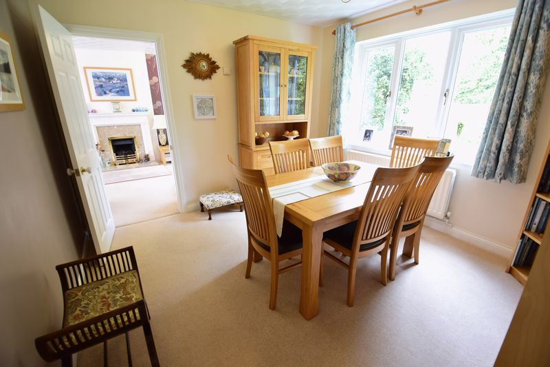 4 bedroom Detached  to buy in Lippitts Hill, Luton - Photo 7