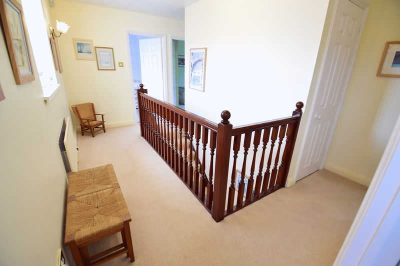 4 bedroom Detached  to buy in Lippitts Hill, Luton - Photo 9