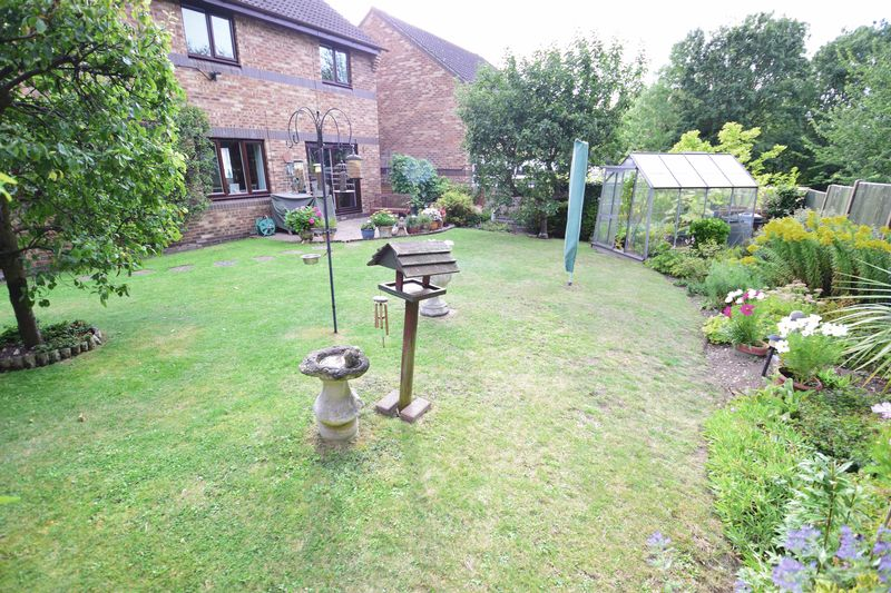 4 bedroom Detached  to buy in Lippitts Hill, Luton - Photo 19