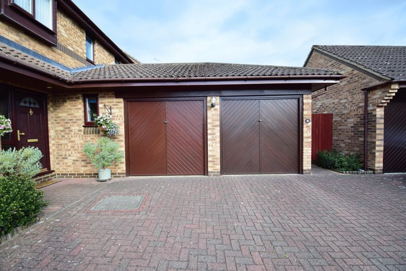 4 bedroom Detached  to buy in Lippitts Hill, Luton - Photo 22